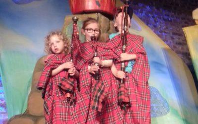 Größter Dudelsack der Welt beim Kindertheater